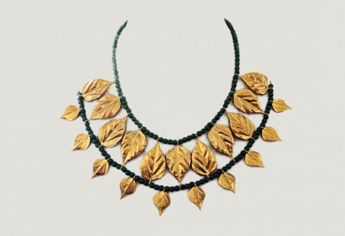 Necklace Fall